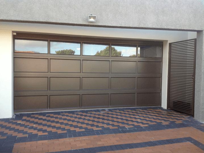 Aluminium-Garage-Doors-Labradoor